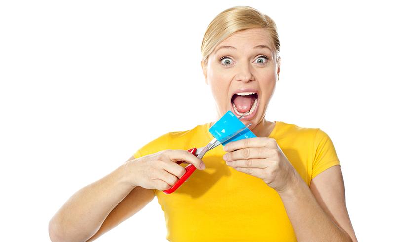 compras-online-cartao-mulher-cartao-de-credito